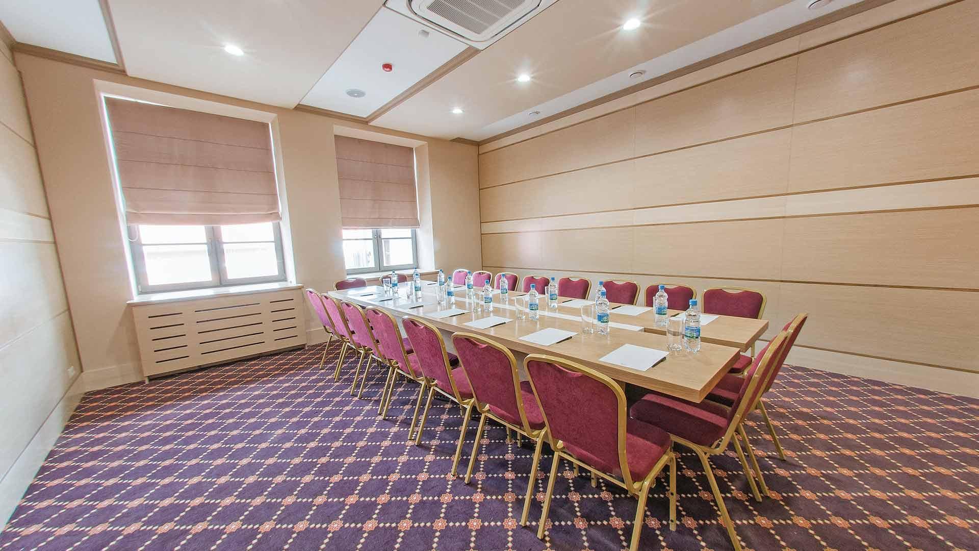 Зал переговоров. Отель Ногай. Гостиница в Казани.